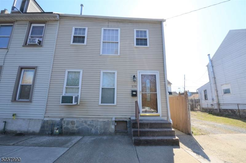 278 Sitgreaves St - Photo 1