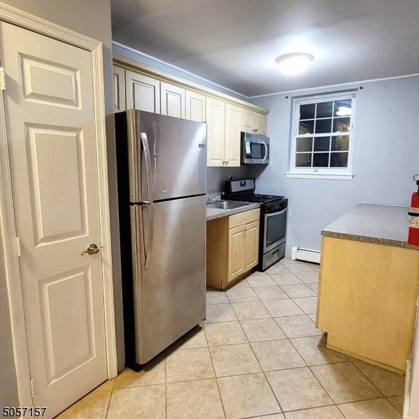 816 W Grand St 1L, Elizabeth City, NJ 07202 (MLS #3700891) :: Kaufmann Realtors