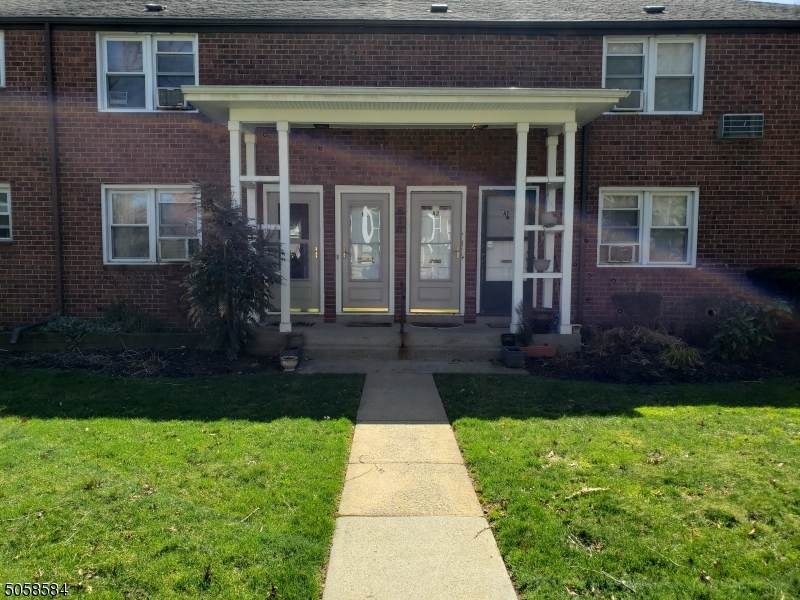 514 Brooklawn Ave - Photo 1