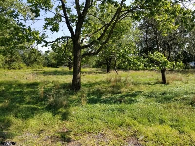 472 Farm Rd - Photo 1