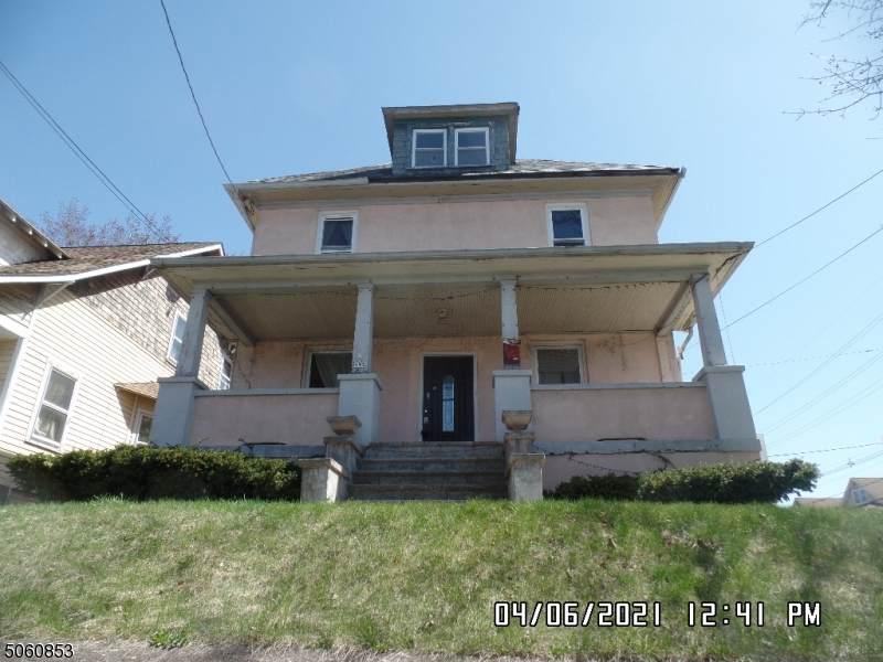 487 Highland Ave - Photo 1