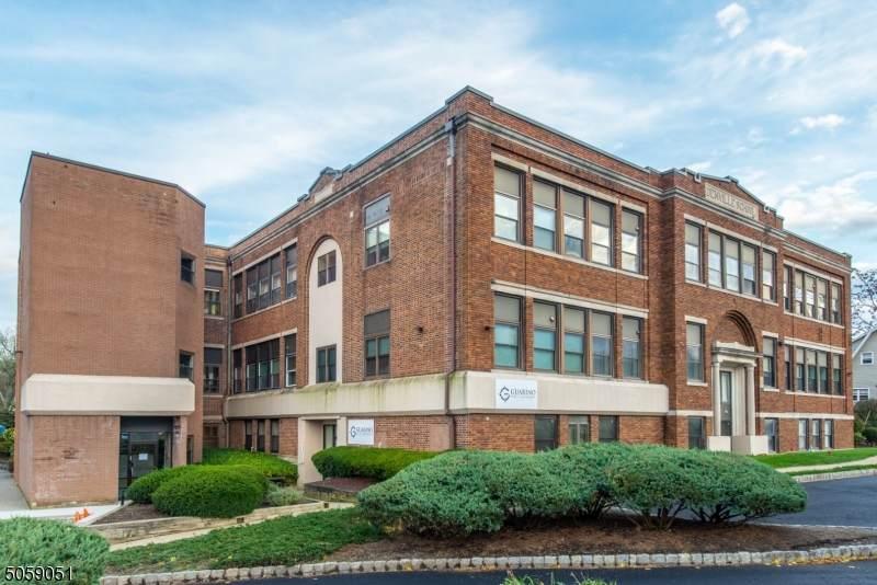 124 E Main St, Suite 306 - Photo 1