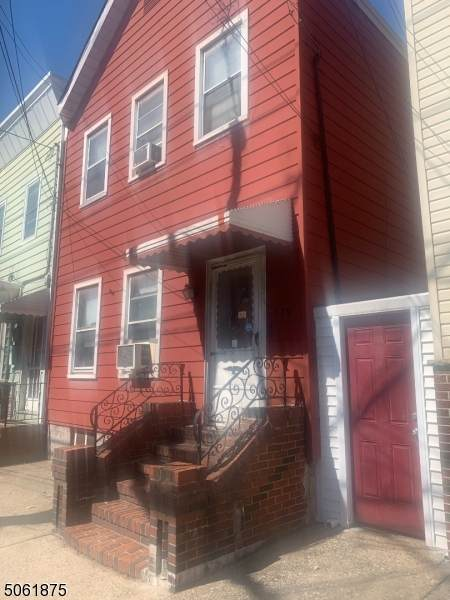 379 Lafayette St, Newark City, NJ 07105 (MLS #3704207) :: SR Real Estate Group