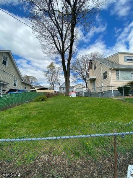 1448 Hiawatha Ave, Hillside Twp., NJ 07205 (MLS #3704317) :: Kiliszek Real Estate Experts