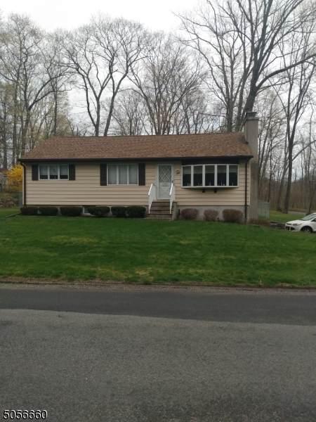 586 Clearview Drive, Hampton Twp., NJ 07860 (MLS #3705535) :: The Sue Adler Team