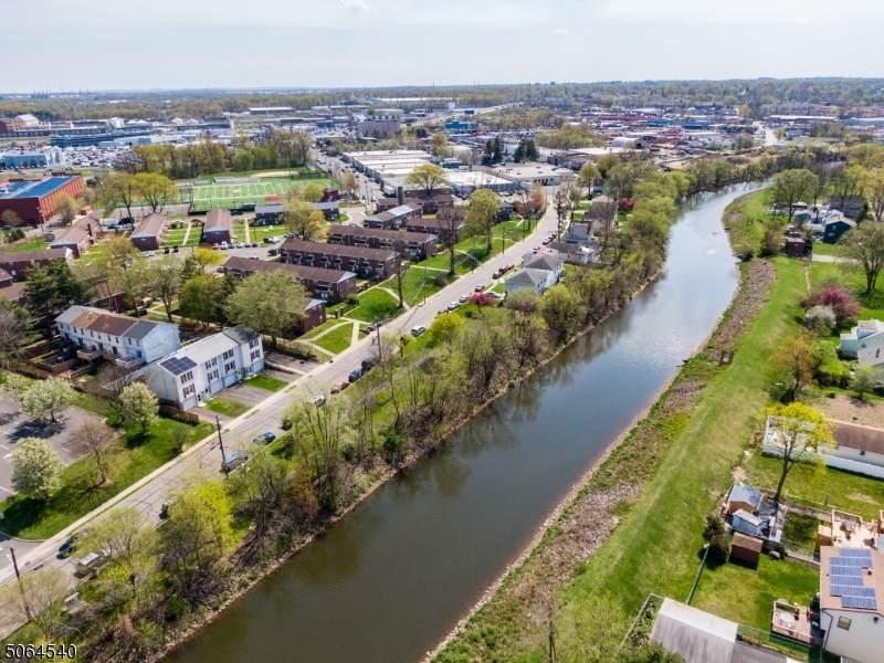1041 Leesville Ave - Photo 1