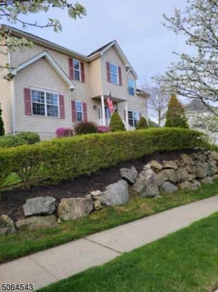1 Butternut Ct, Allamuchy Twp., NJ 07840 (MLS #3706348) :: The Sikora Group