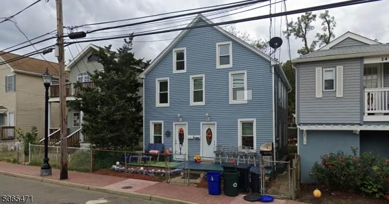 239 Bay Ave - Photo 1