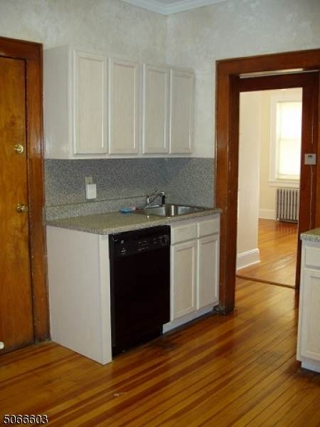 28 Willowdale Ave - Photo 1