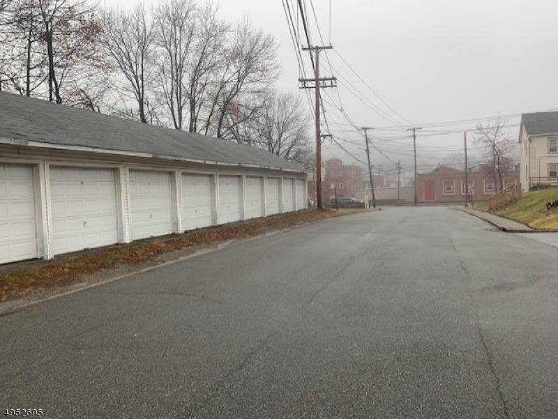 3 Hillside Ave - Photo 1