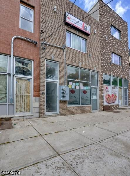 544 Broadway - Photo 1