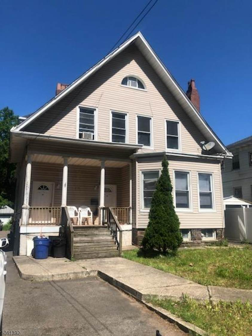 476 Jefferson Ave - Photo 1