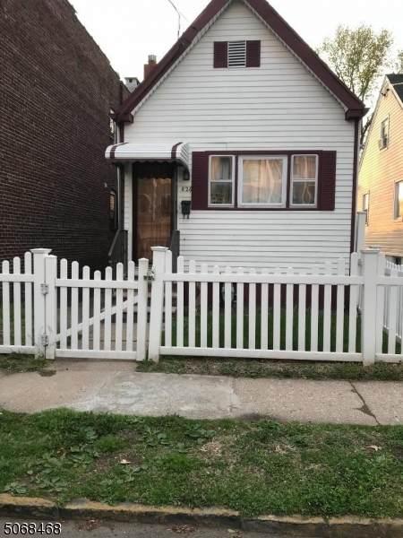 826 Jackson Ave - Photo 1
