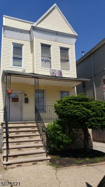 144 Bayview Ave, Jersey City, NJ 07305 (MLS #3712525) :: SR Real Estate Group