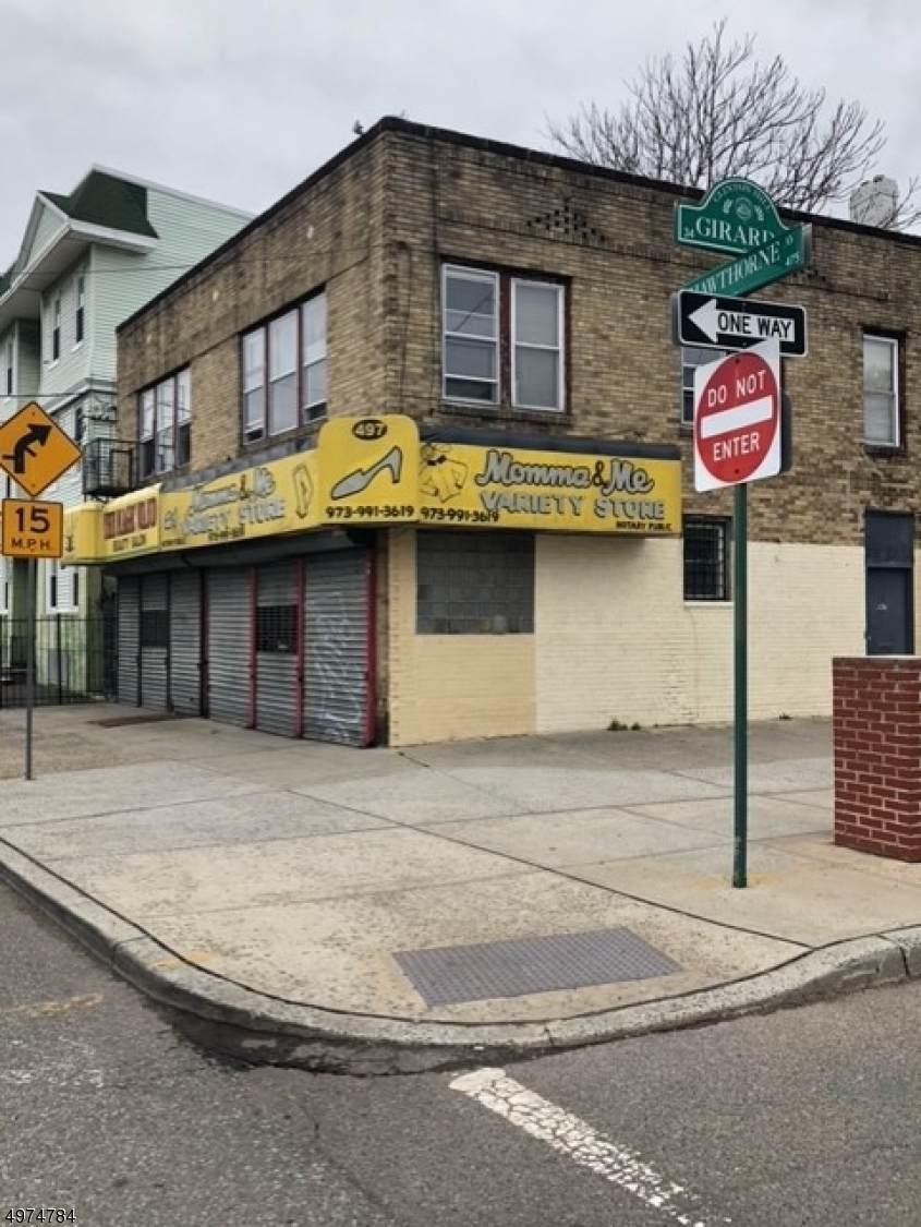 497 Hawthorne Ave - Photo 1