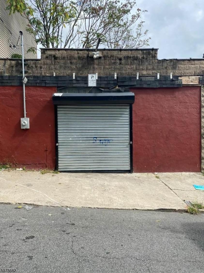 41 Garfield Ave - Photo 1