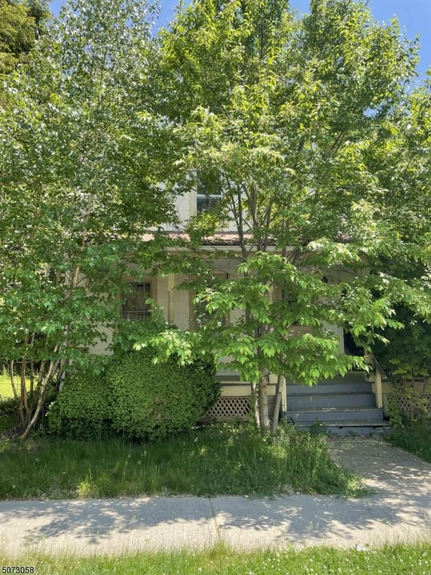 150 Princeton Ave - Photo 1