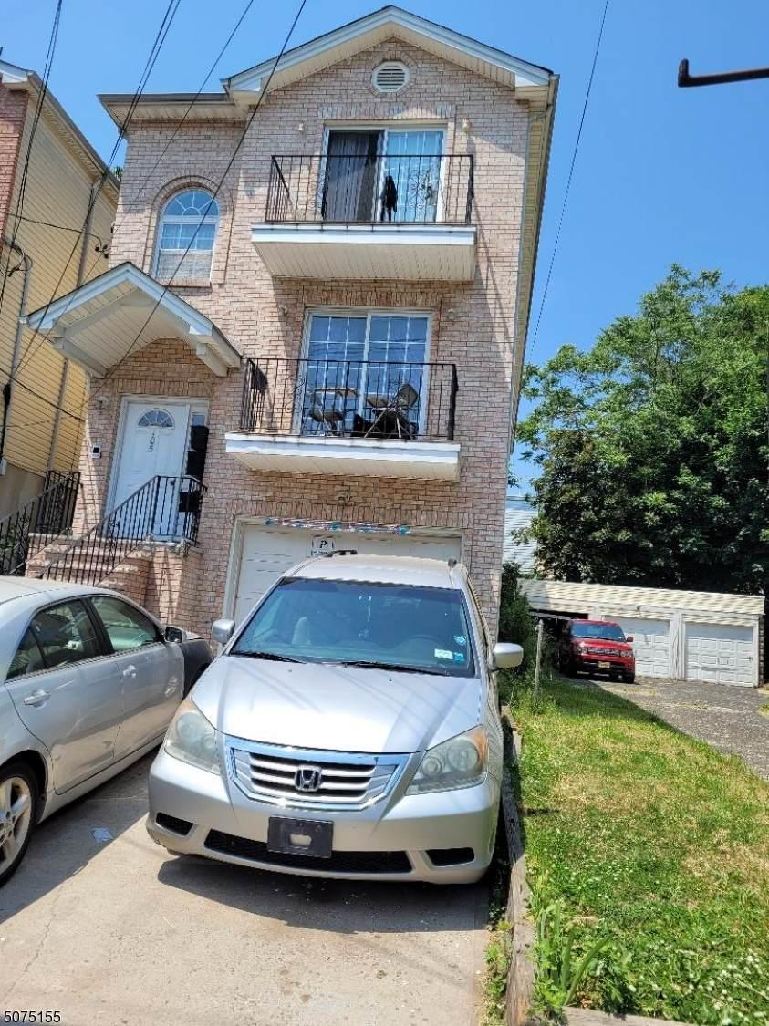 105 Stuyvesant Ave - Photo 1