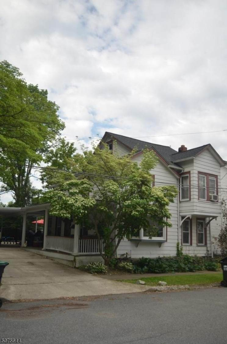 60 Front St - Photo 1