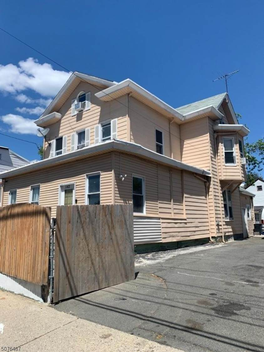 158 Preakness Ave - Photo 1