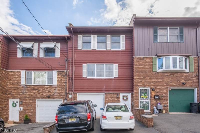 455 Preakness Ave - Photo 1
