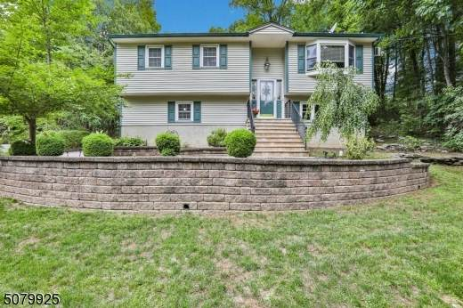 15 Crestview Ln, Vernon Twp., NJ 07419 (#3719787) :: Rowack Real Estate Team
