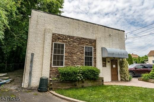 64 N Weiss St, Manville Boro, NJ 08835 (MLS #3719991) :: The Dekanski Home Selling Team