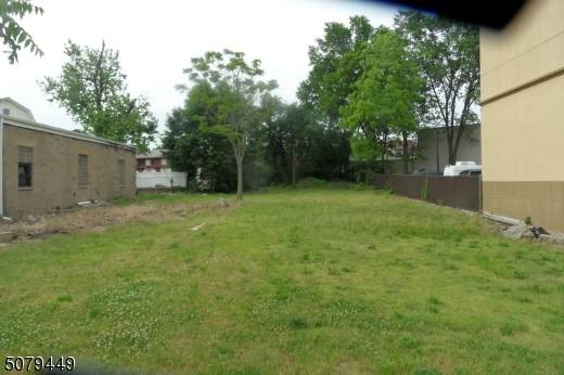 1118 E Grand St, Elizabeth City, NJ 07201 (MLS #3720056) :: Pina Nazario