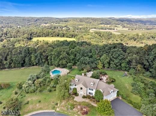 3 Indian Ln, Tewksbury Twp., NJ 07830 (MLS #3720122) :: The Dekanski Home Selling Team