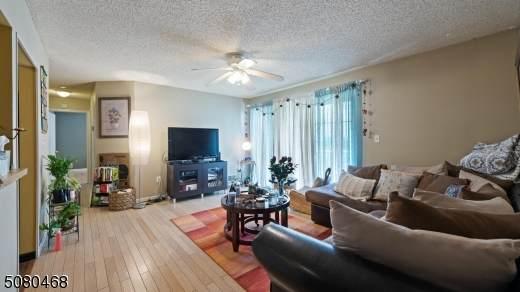 35 Lindsey Ct, Franklin Twp., NJ 08823 (MLS #3720174) :: The Dekanski Home Selling Team