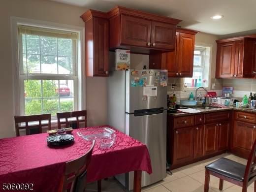 1803 Dill Ave, Linden City, NJ 07036 (MLS #3720183) :: The Dekanski Home Selling Team