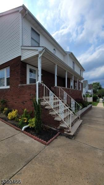 518 Center St, South Amboy City, NJ 08879 (MLS #3720522) :: The Karen W. Peters Group at Coldwell Banker Realty
