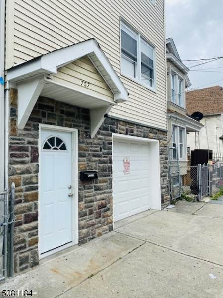 757 E 18Th St, Paterson City, NJ 07501 (MLS #3720860) :: Gold Standard Realty