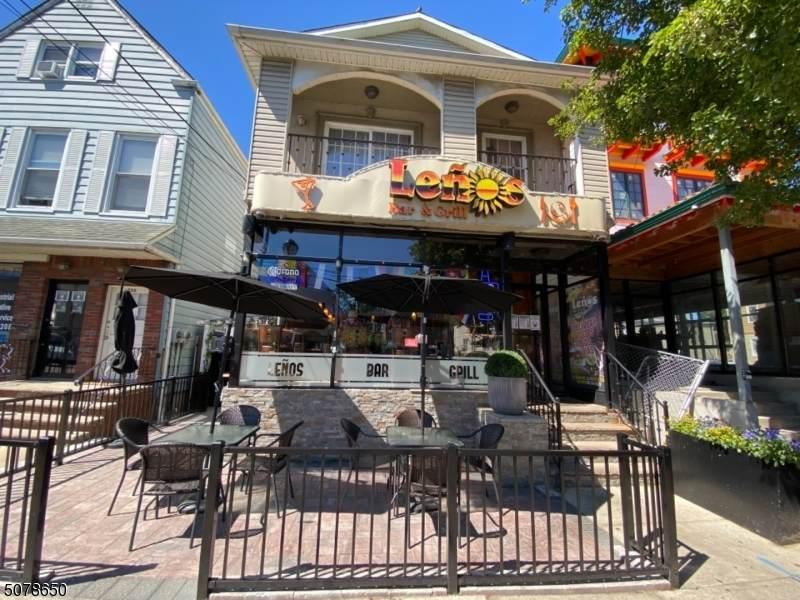 352 Morris Ave - Photo 1