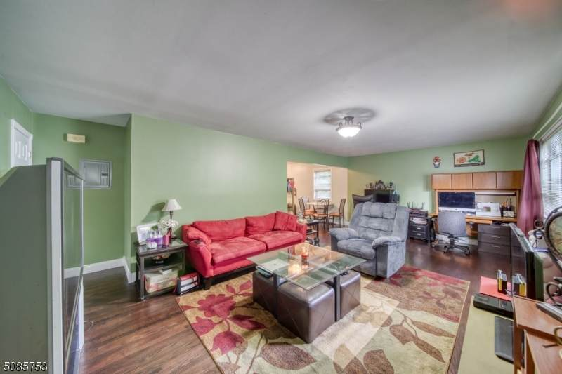 3 Colonial Dr - Photo 1