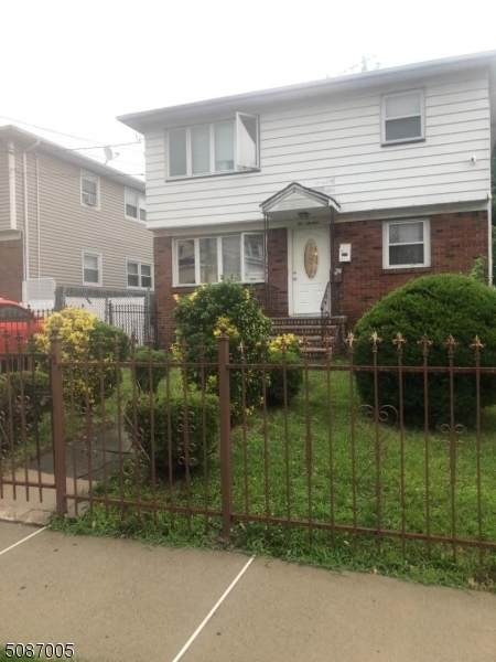 214 Lincoln Ave - Photo 1