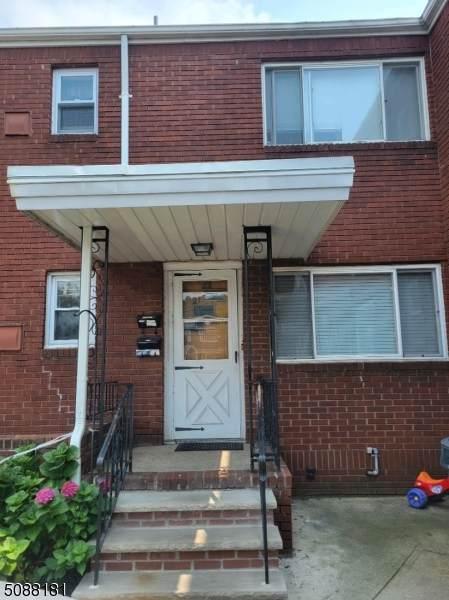 262 Chamberlain Ave - Photo 1