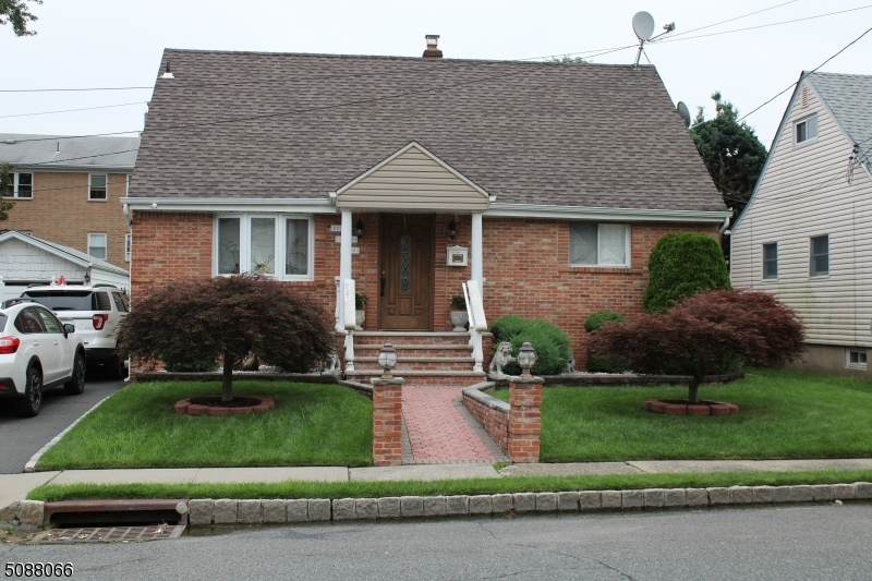 270 Fairway Ave - Photo 1