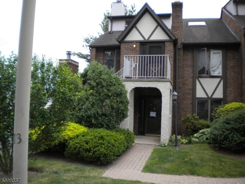 900 Valley Rd - Photo 1