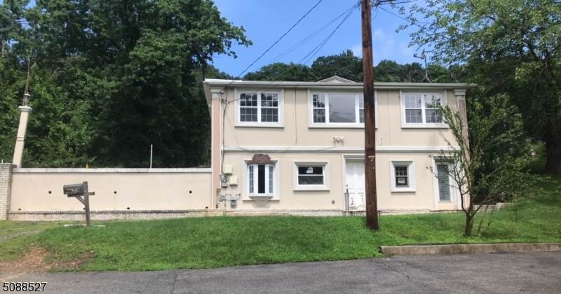 14 Manchester Ave - Photo 1