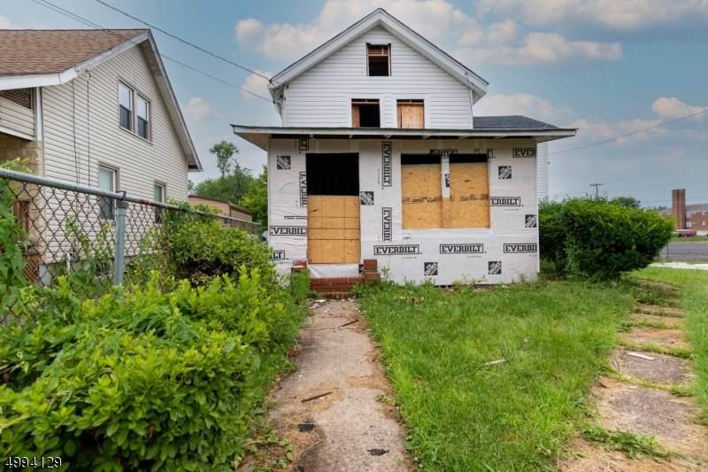 197 Davenport St - Photo 1