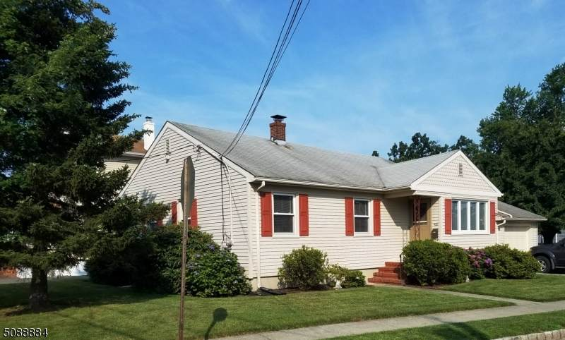 400 Chester Ave - Photo 1