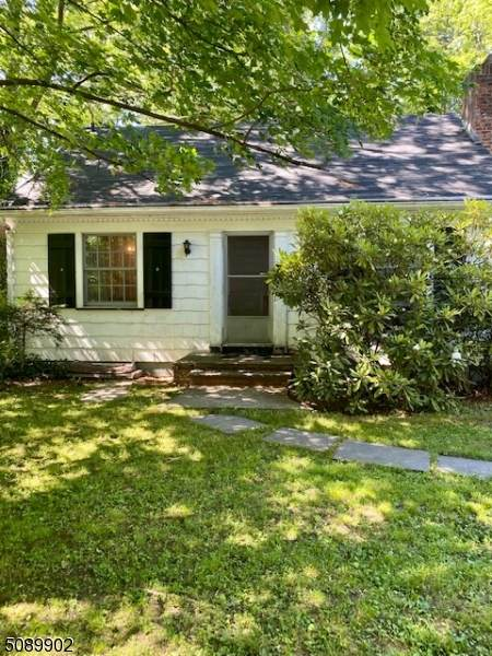 25 Sterling Pl - Photo 1