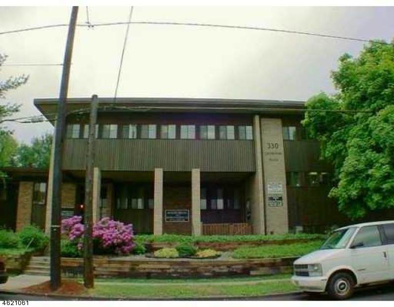330 Livingston Ave - Photo 1