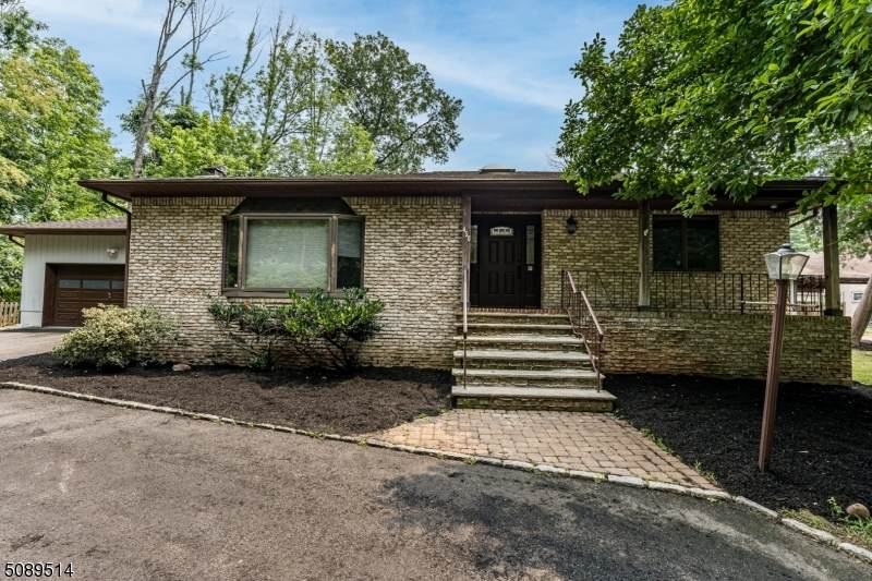 450 Parkway Dr - Photo 1