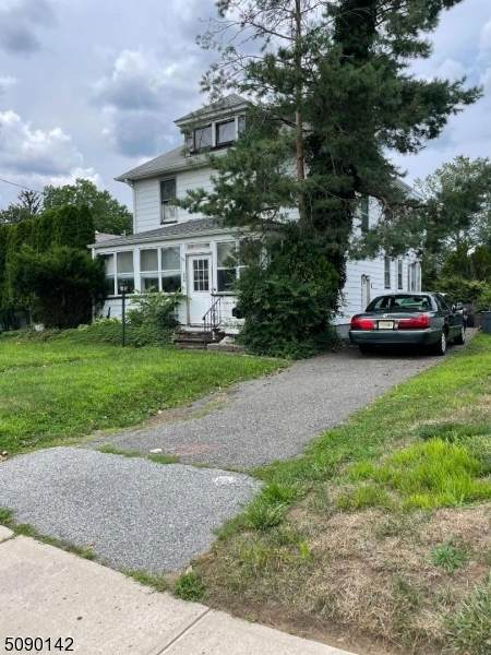 209 Lakeside Ave, Pompton Lakes Boro, NJ 07442 (MLS #3729527) :: The Karen W. Peters Group at Coldwell Banker Realty