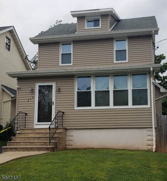 317 East 4th Ave, Roselle Boro, NJ 07203 (MLS #3731712) :: Caitlyn Mulligan with RE/MAX Revolution