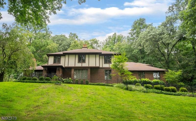 18 Cold Hill Rd - Photo 1