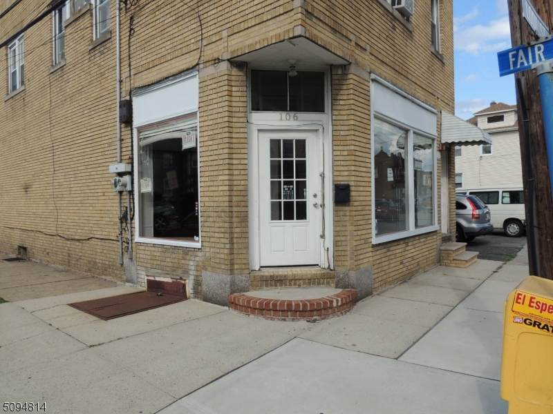 106 Lodi St - Photo 1