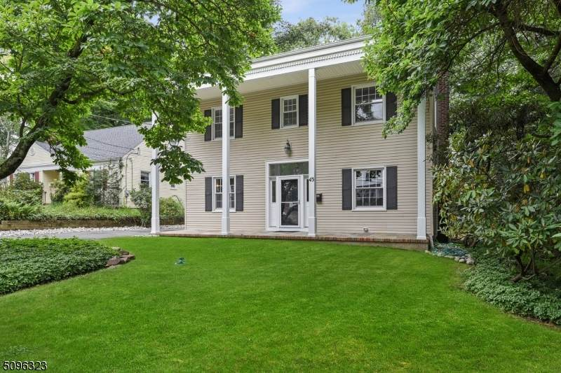 43 Woodcliff Dr - Photo 1
